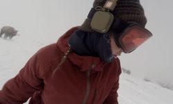 Видео: Погоня медведя за сноубордисткой!
